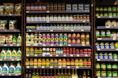 Clark's Market condiment aisle