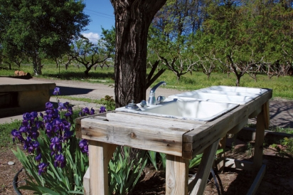 Outdoor sink at Early Morning Orchard