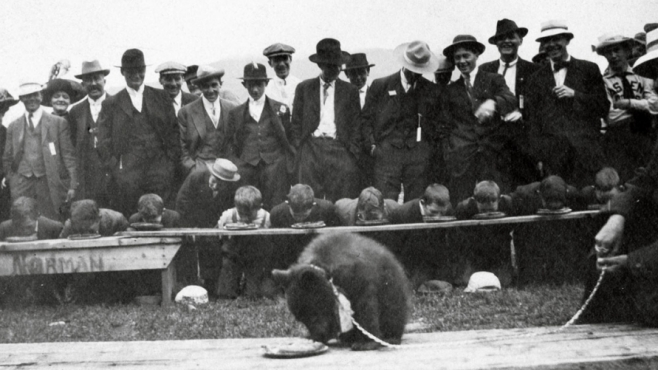 1912 Fourth of July pie-eating contest